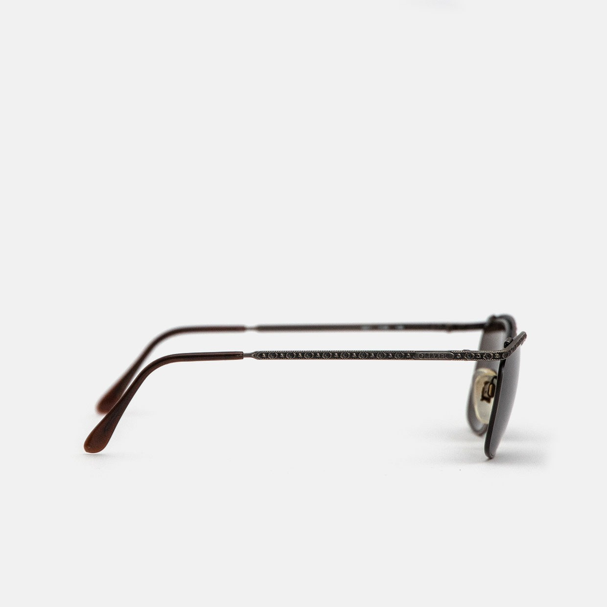 The OLIVER BY VALENTINO vintage sunglasses