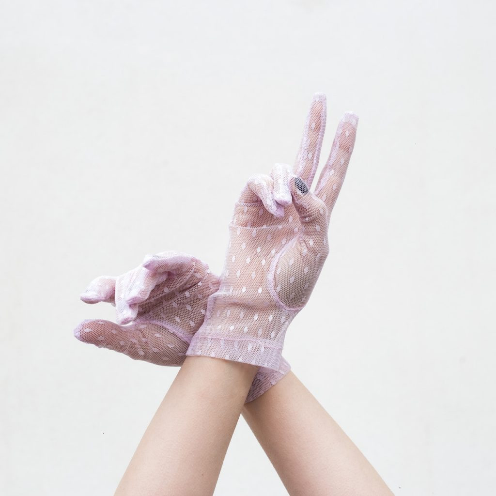 The LILAC LACE gloves
