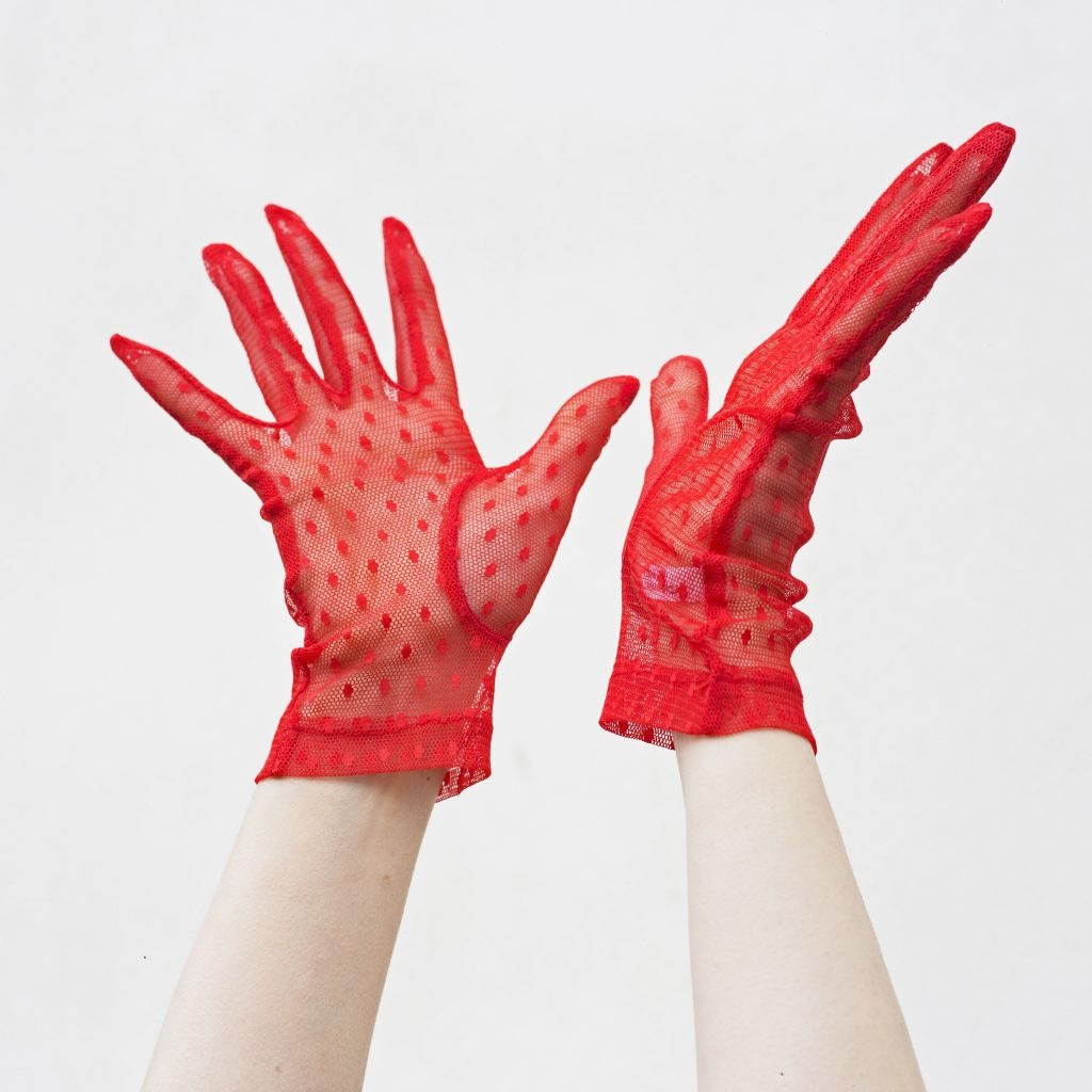 The RED LACE gloves