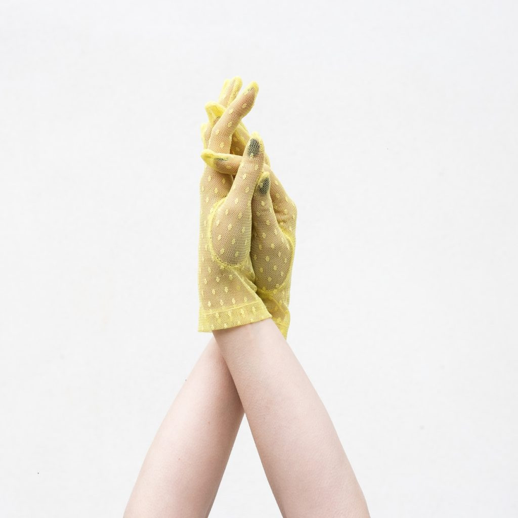 The YELLOW LACE gloves