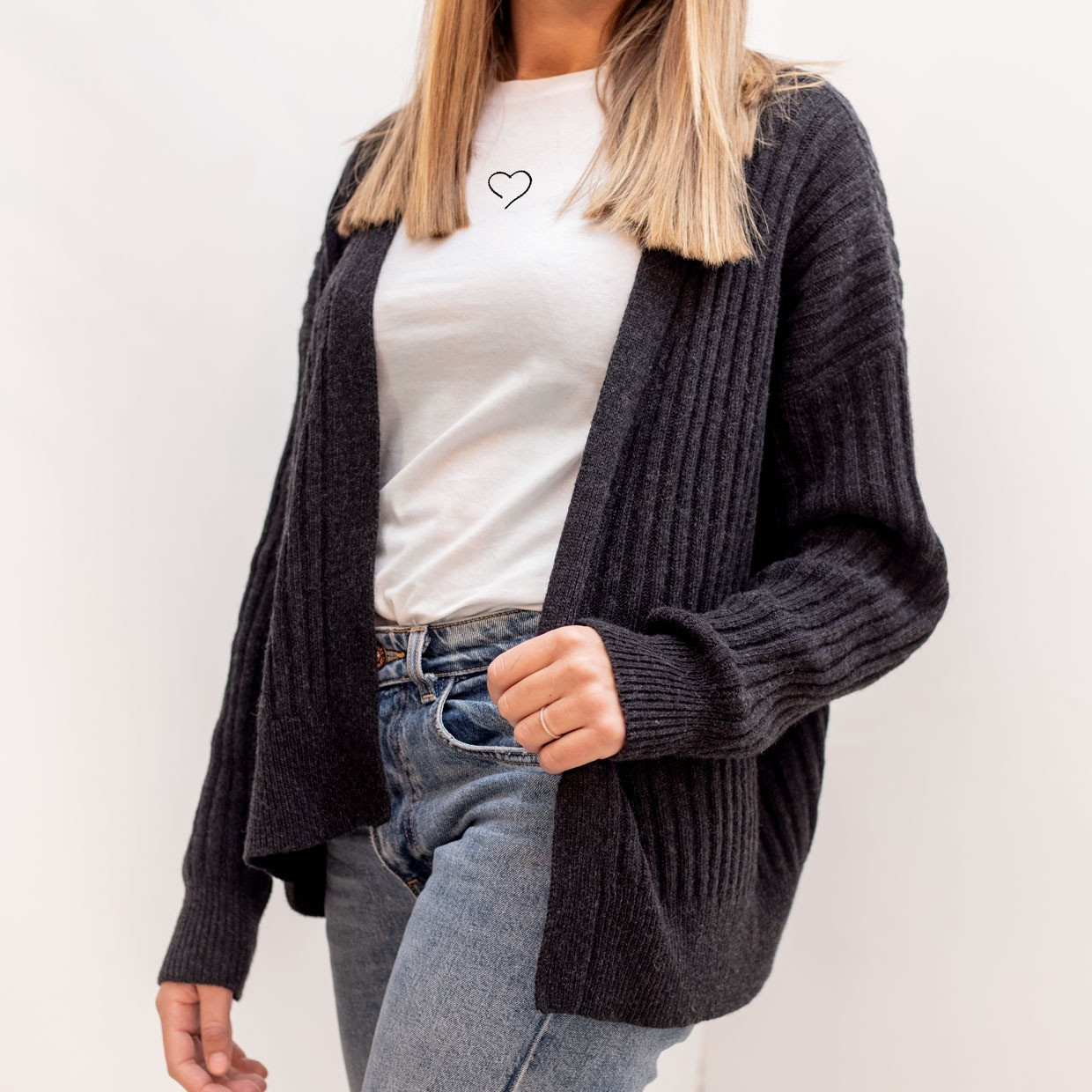 The SLOUCHY cardigan