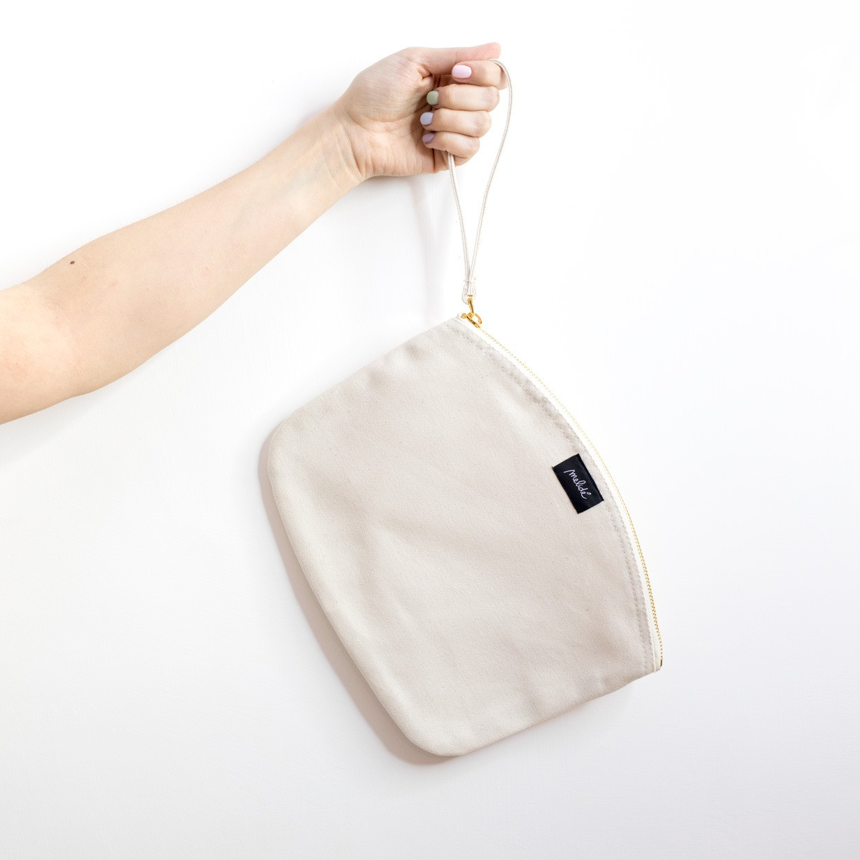 The ZIPPED POUCH L - Heart essential