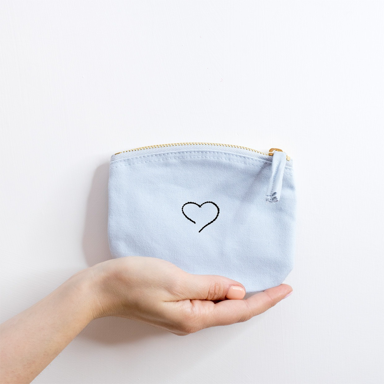 The ZIPPED POUCH S - Heart essential