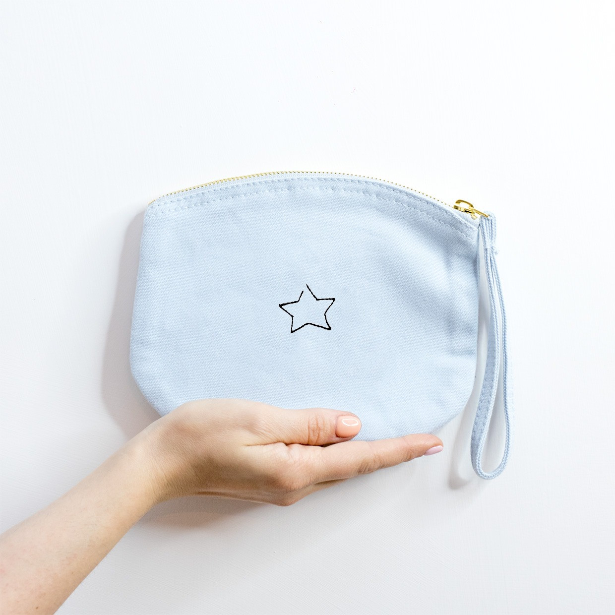 The ZIPPED POUCH M - Star