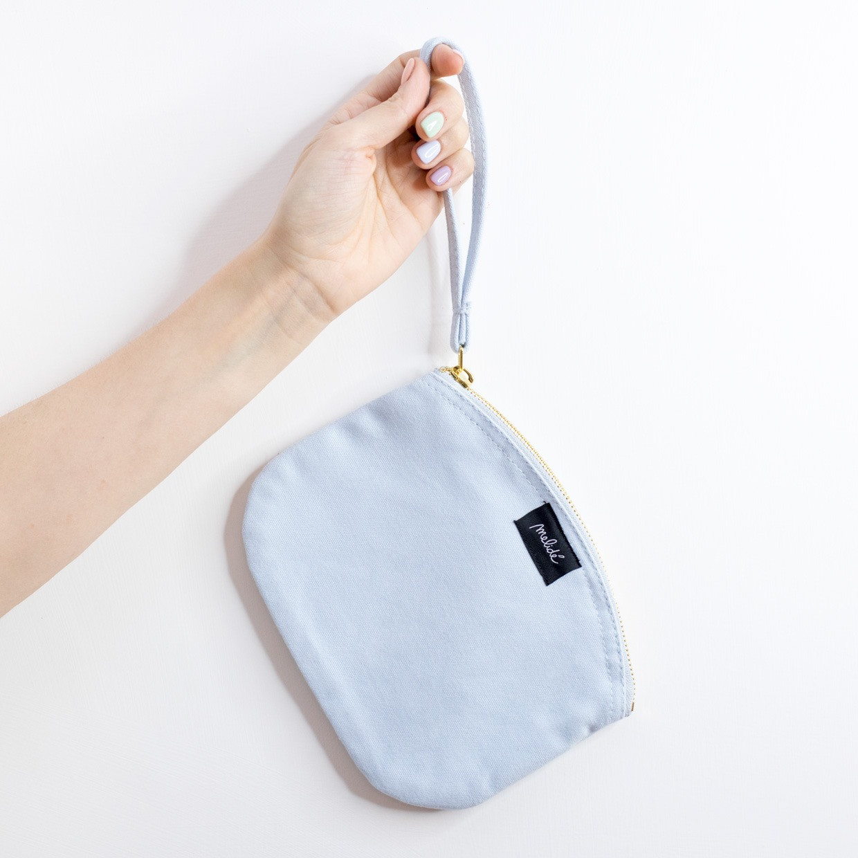 The ZIPPED POUCH M - Vergine