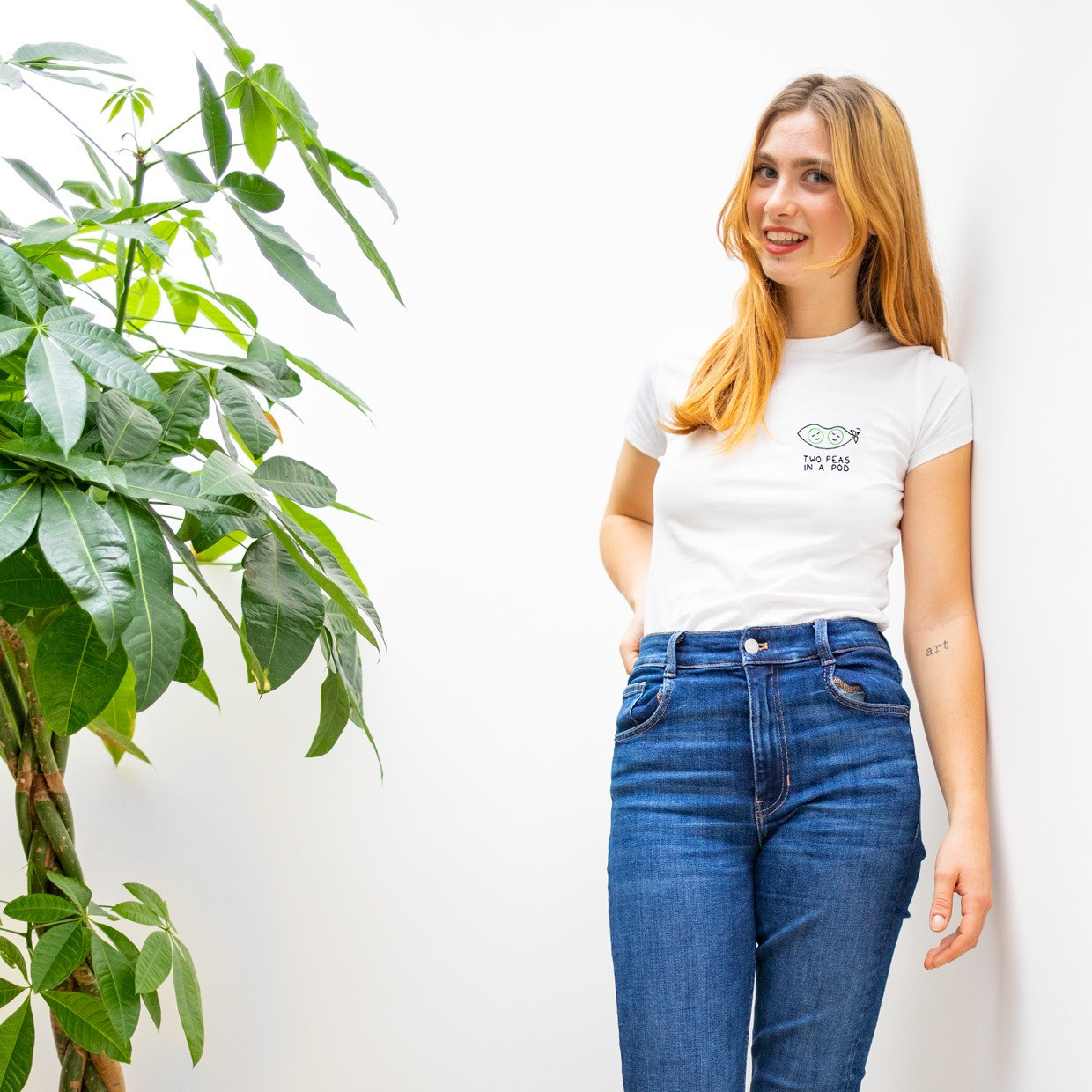 The TWO PEAS IN A POD slim fit tee - melidé x Giulia Valentina