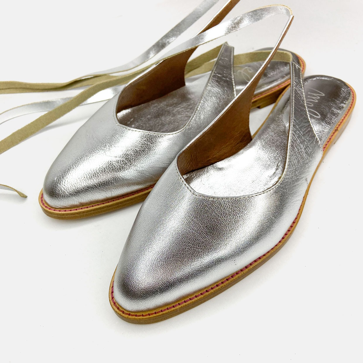 The LACE-UP flats - argento